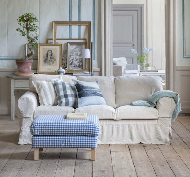 A 3 seater sofa as a center piece A 3 seater sofa as a center pieceA 3 seater sofa as a center piece 1