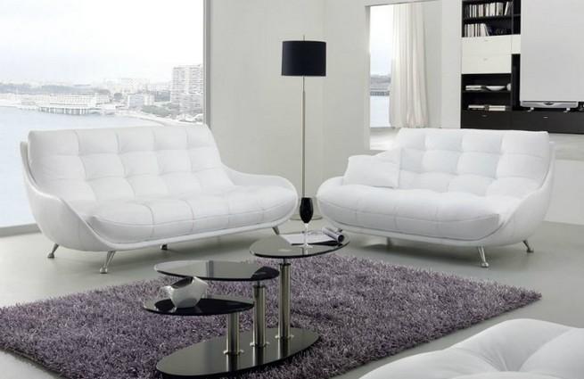 A 3 seater sofa as a center piece A 3 seater sofa as a center pieceA 3 seater sofa as a center piece 3
