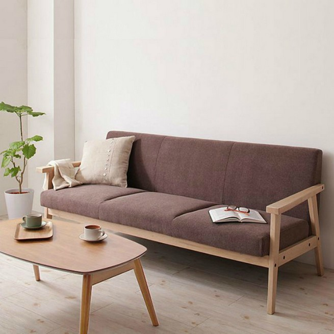 A 3 seater sofa as a center piece A 3 seater sofa as a center pieceA 3 seater sofa as a center piece 4