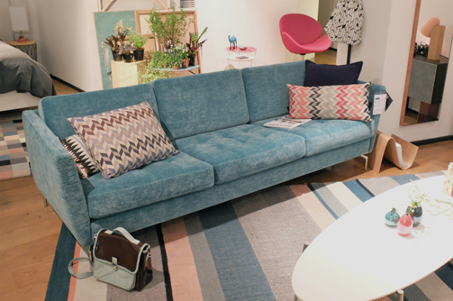 2015 Modern Living Room Trends - The Velvet Sofa 2 2015 Modern Living Room Trends – The Velvet Sofa2015 Modern Living Room Trends The Velvet Sofa 2