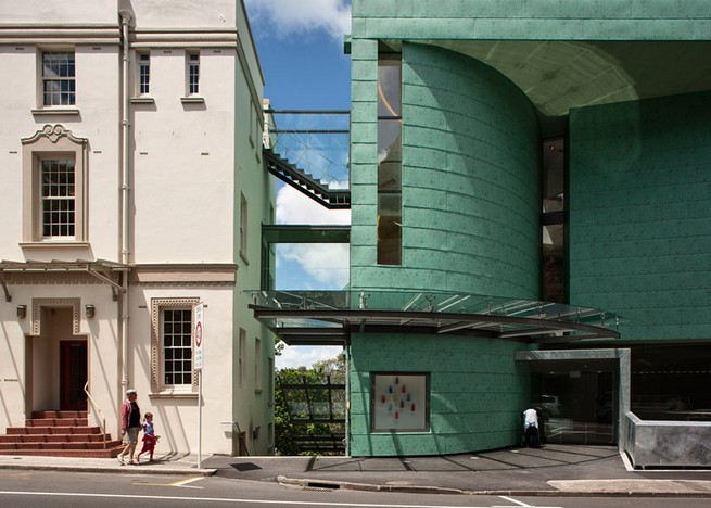 Art gallery in Auckland by Mitchell and Stout Architects features an aluminium-plated facade Art gallery in Auckland by Mitchell and Stout Architects features an aluminium-plated facadeArt gallery in Auckland by Mitchell and Stout Architects features an aluminium plated facade