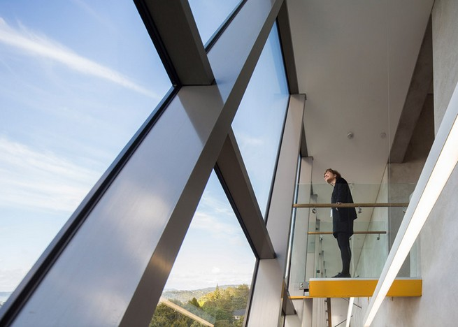 Art gallery in Auckland by Mitchell and Stout Architects features an aluminium-plated facade Art gallery in Auckland by Mitchell and Stout Architects features an aluminium-plated facadeArt gallery in Auckland by Mitchell and Stout Architects features an aluminium plated facade 1