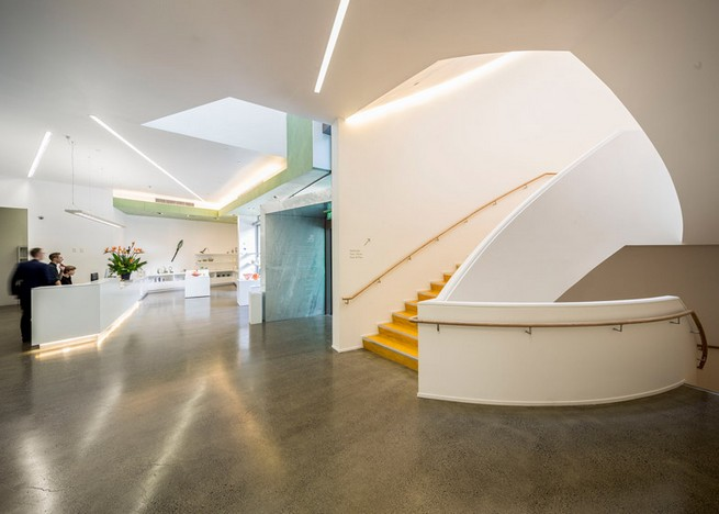 Art gallery in Auckland by Mitchell and Stout Architects features an aluminium-plated facade Art gallery in Auckland by Mitchell and Stout Architects features an aluminium-plated facadeArt gallery in Auckland by Mitchell and Stout Architects features an aluminium plated facade 4