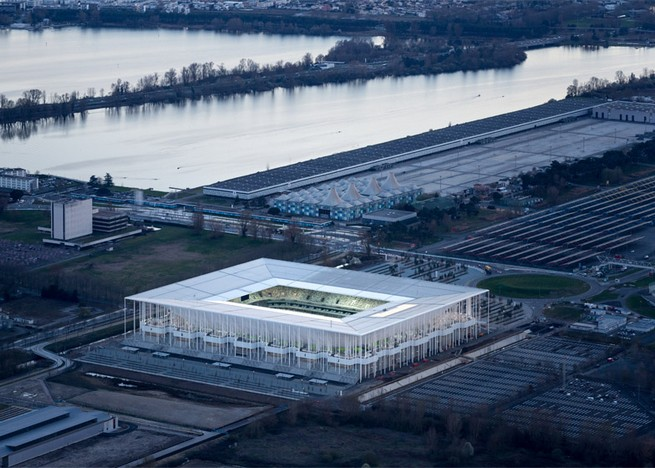 Football architecture: Herzog & De Meuron's football stadium's projects