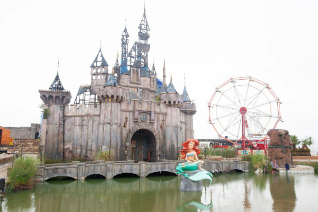 banksy dismaland pictures banksy pictures 9 Banksy's Dismaland in pictures: where dreams become the society's realitybanksy dismaland pictures banksy pictures 9
