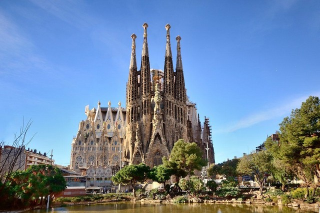 Architecture news Antonio Gaudi church Sagrada Familia is completed (6) Architecture news: Antonio Gaudi church Sagrada Familia is completedArchitecture news Antonio Gaudi church Sagrada Familia is completed 6