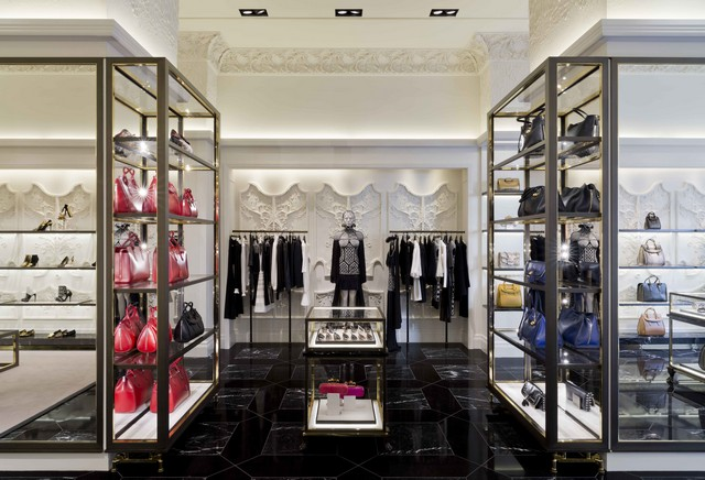 Alexander McQueen, Madison Ave, NY, 2013 David Collins Architecture and Design, London Whats on in London: Phillips auction house celebrates David Collins InteriorsWhats on in London Phillips auction house celebrates David Collins Interiors Alexander Mcqueen Madison Avenue NYC
