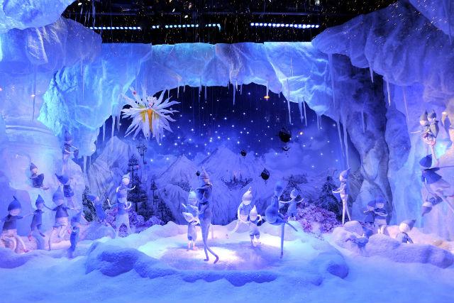 Christmas Window display : Fairy Tales at Printemps christmas window displayChristmas Window display : Fairy Tales at Printempsprintemps holiday 15 04