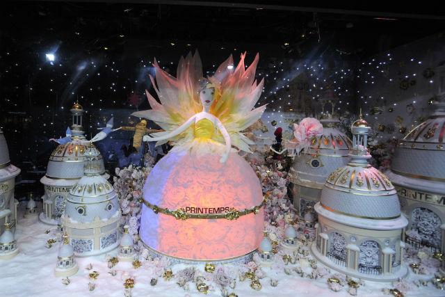 printemps-holiday-15-08 christmas window displayChristmas Window display : Fairy Tales at Printempsprintemps holiday 15 08