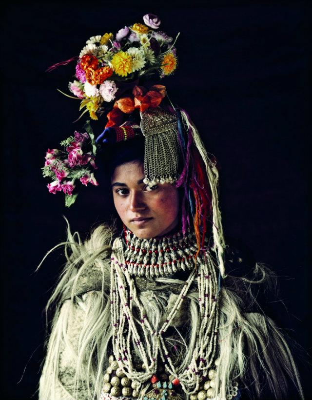 Design Inspiration - Indigenous World  Design Inspiration from Indigenous Worlds BRABBU Design Inspiration Stunning Portraits of the Worlds last Indigenous tribes7