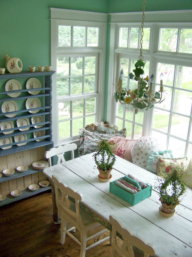 Simple Decorating Ways to Make your Dining Room Feel Fresh  Simple Decorating Ways to Make your Dining Room Feel Fresh Fresh Dining Room Light Green