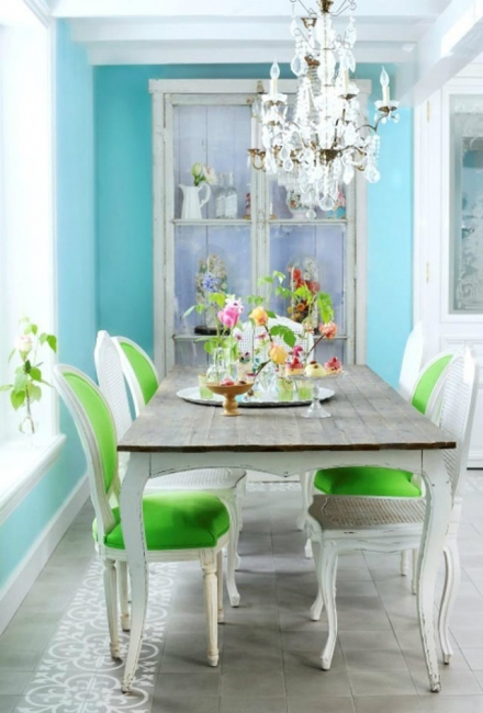 Simple Decorating Ways to Make your Dining Room Feel Fresh
