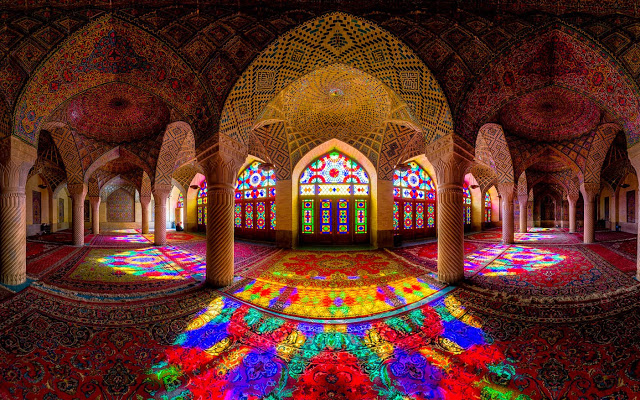 Rich and Powerful Iranian Mosques  Rich and Powerful Iranian Mosques Rich and Powerful Iranian Mosques 7
