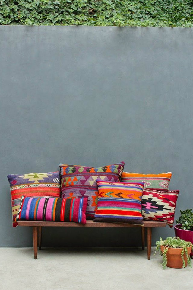 Boho Ethnic Style in Interior Design Projects  Boho-Chic Ethnic Inspiration in Interior Design Projects Boho apt colurful pillows