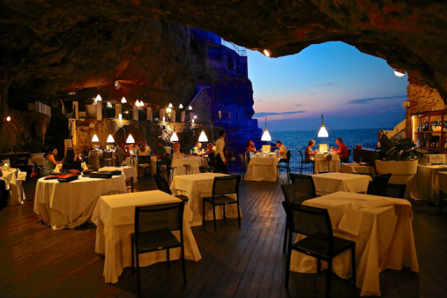 Outdoor Restaurant Styles and Ideas  Outdoor Restaurant Styles and Ideas GrottaPalazzese Italy Outdoor Restaurants Ideas grotto sea