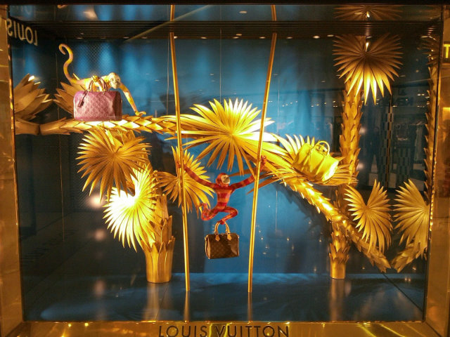 Summer WINDOW shopping? yes please  Summer WINDOW shopping? yes please Summer Window Display Louis Vuitton