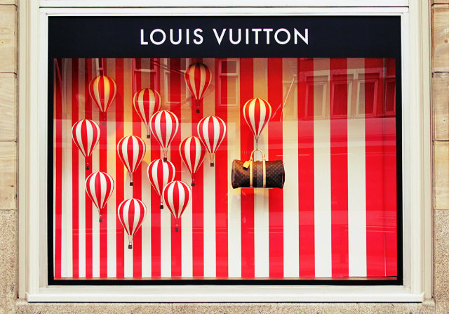 Summer WINDOW shopping? yes please  Summer WINDOW shopping? yes please Summer Window Display White red Stripes Louis Vuitton