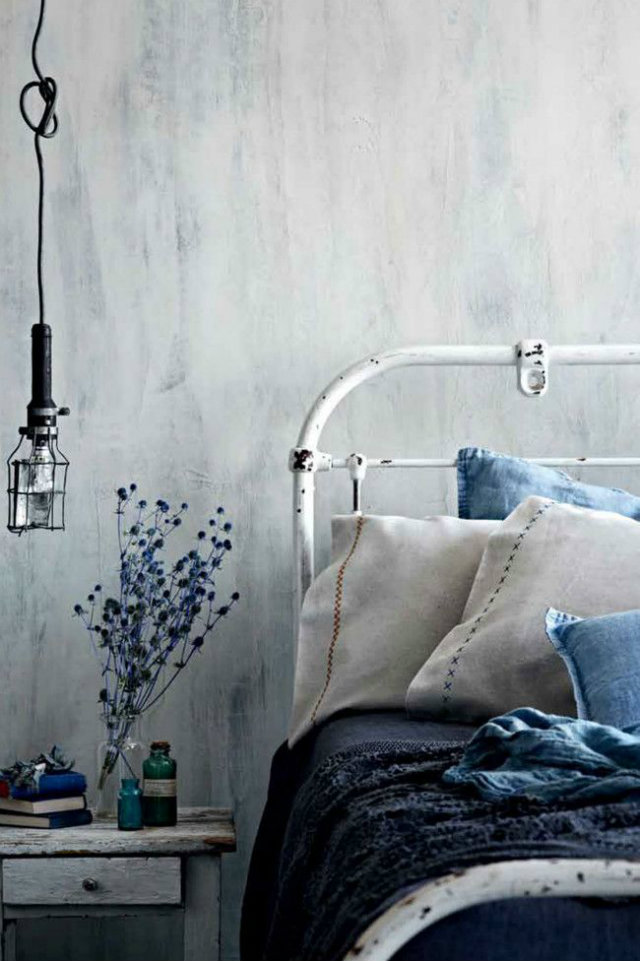 Must Shabby Chic Item: the Wrought Bed  Must Have Shabby Chic Item: the Wrought Bed Wrought Bed Shabby Chic linen Sheets blue flowers hanging lamp