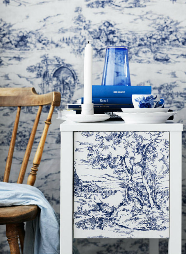 Classic vs. Modern Looks: the Toile de Jouy Revisited toile de jouy Classic vs. Modern Looks: the Toile de Jouy Revisited toile de jouy blue white night table1