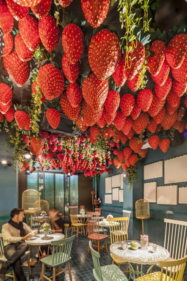 10 Amazing Restaurant Interiors  Inspiration: 10 Amazing Restaurant Interiors La Dol  a Barcelona Amazing restaurant Decor