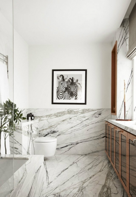 The Marble Bathroom – a unique home décor material