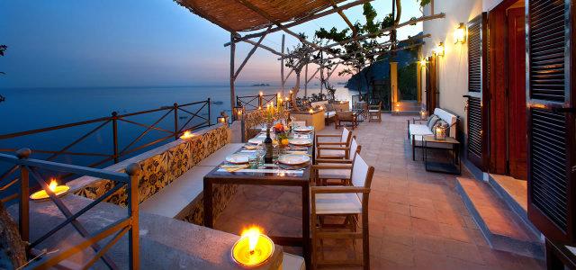 10 Amazing Waterfront Restaurants Around the World  10 Amazing Waterfront Restaurants Around the World Waterfront Restaurant TorreSponda