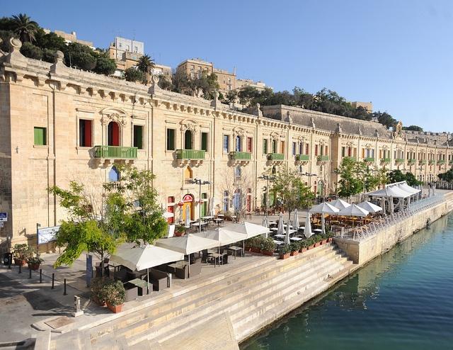 10 Amazing Waterfront Restaurants Around the World  10 Amazing Waterfront Restaurants Around the World Waterfront Restaurant Valletta Malta