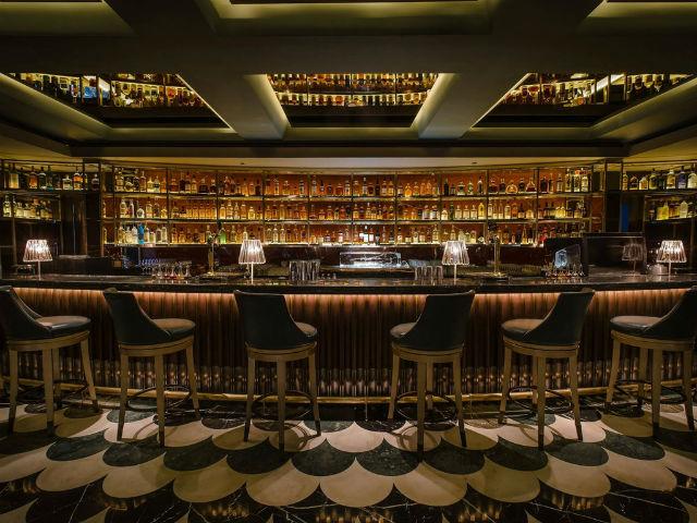 Bar-Manhattan Bar singapore Inspiration: Glamorous Manhattan Bar in Regent – Singapore Bar Manhattan Bar