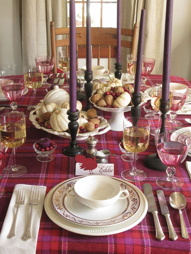 Brugundy THKSGVNG 4 thanksgiving color combinations Best Thanksgiving Color Combinations: Burgundy Table Setting Brugundy THKSGVNG 4