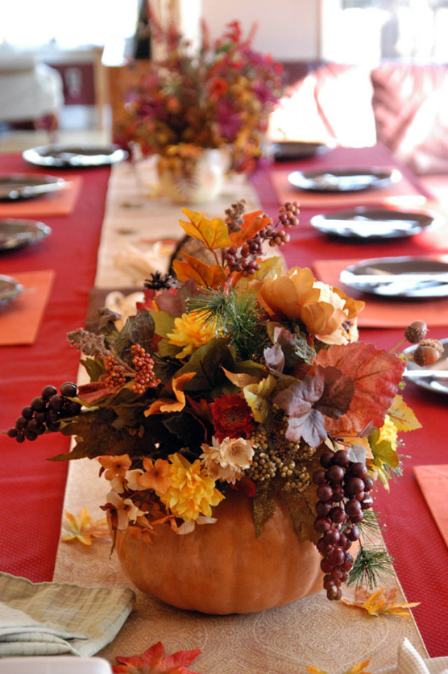 Brugundy THKSGVNG 7 thanksgiving color combinations Best Thanksgiving Color Combinations: Burgundy Table Setting Brugundy THKSGVNG 7