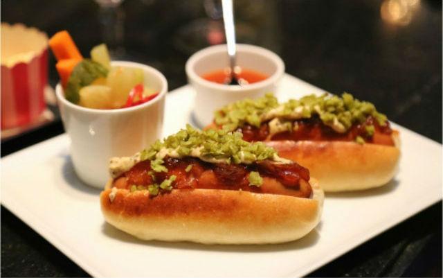 Food1-Manhattan Bar singapore Inspiration: Glamorous Manhattan Bar in Regent – Singapore Food1 Manhattan Bar1