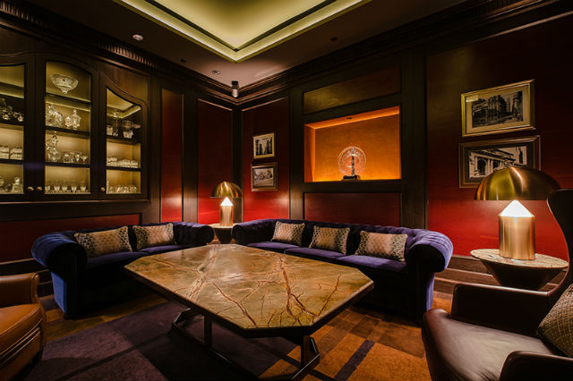 Private Saloon - Manhattan BAr singapore Inspiration: Glamorous Manhattan Bar in Regent – Singapore Private Saloon Manhattan BAr1