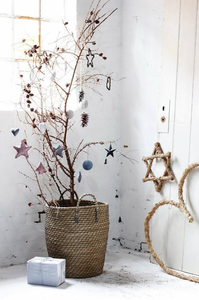 Christmas Tree Ideas christmas tree ideas Best 24 DIY Christmas Tree Ideas UNIQUE CHRISTMAS TREES 23