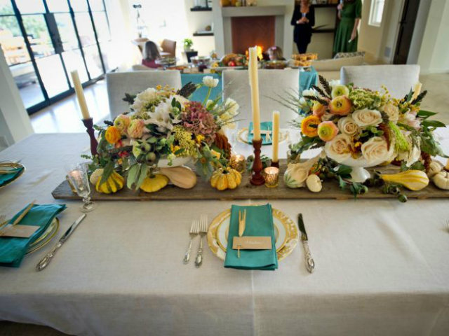 Unusual table set decor ideas for thanksgiving dinner for Decoration ideas for thanksgiving dinner