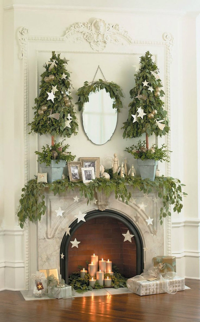 Best ideas on how to decorate your home for christmas for Christmas home decorations pictures
