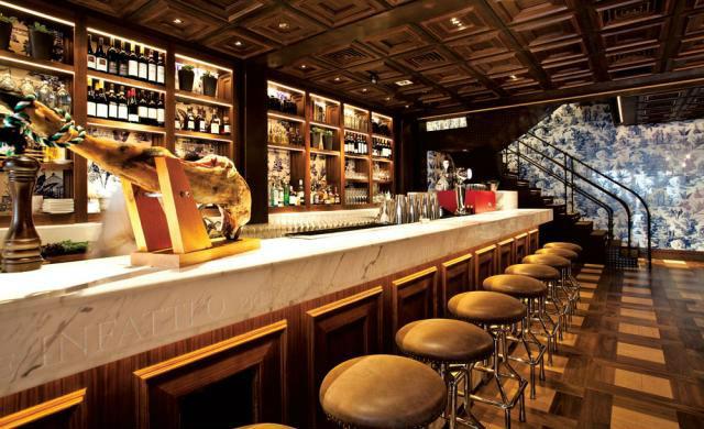 the bar 208 duecento otto 208 Duecento Otto: an inspiring Hong Kong Restaurant Duecento Otto1