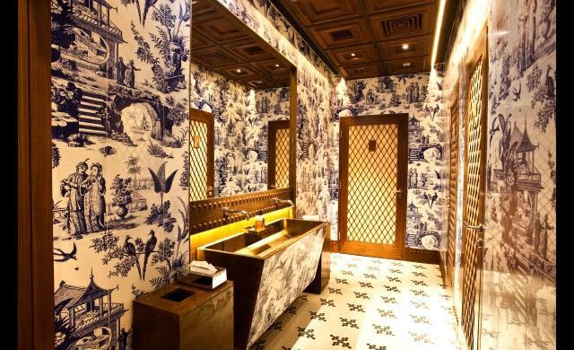 the bathroom 208 duecento otto 208 Duecento Otto: an inspiring Hong Kong Restaurant Duecento Otto12