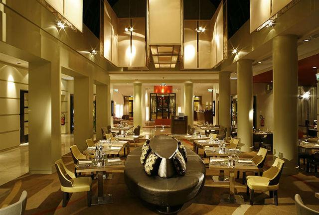 laurent moreau laurent moreau Best Design Projects By Laurent Moreau HOTEL PULLMAN VERSAILLES