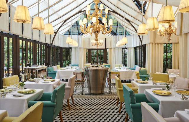 Get Inspired By These Stylish Restaurants in Paris restaurants in paris Get Inspired By These Stylish Restaurants in Paris Il Carpaccio Le Royal Monceau
