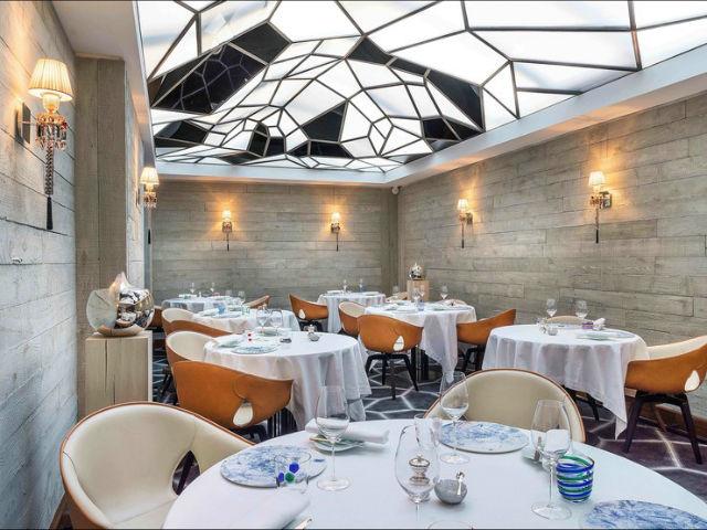 Paris Restaurants (1) restaurants in paris Get Inspired By These Stylish Restaurants in Paris Paris Restaurants 1