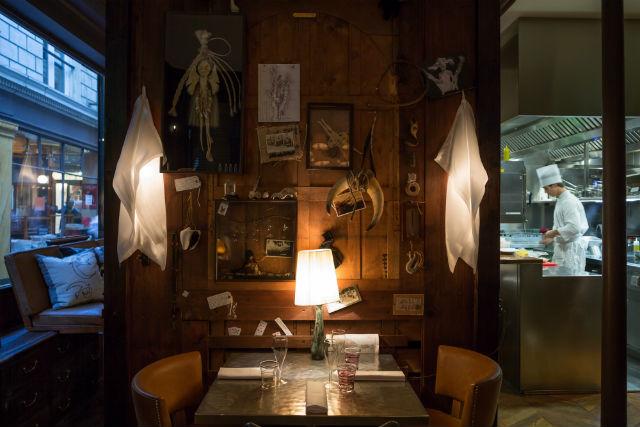 Paris Restaurants (6) restaurants in paris Get Inspired By These Stylish Restaurants in Paris Paris Restaurants 6