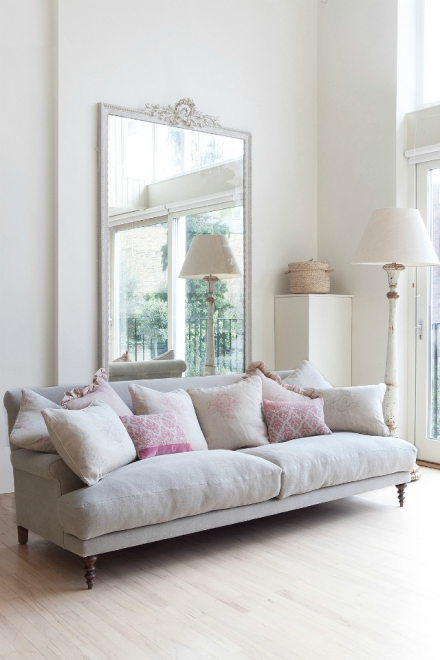 LIVING ROOM INSPIRATION: HOW TO PICK A SOFA