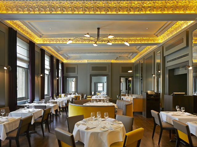 Restaurant Interior Ideas: Christopher\'s Bar