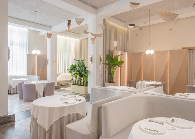 Get inspired by Universal Design Studio project - Odette Restaurant restaurant interior Get Inspired By Odette Restaurant Interior odette by universal design studio dezeen 1568 5