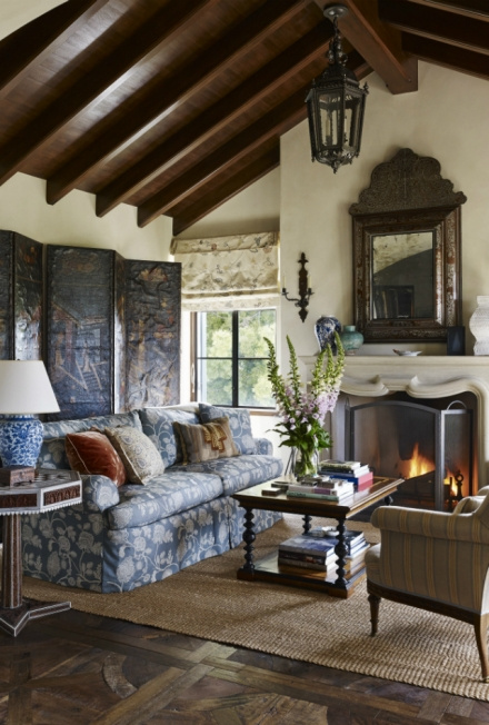 Get inspired by this home decor influenced by the history of Spain