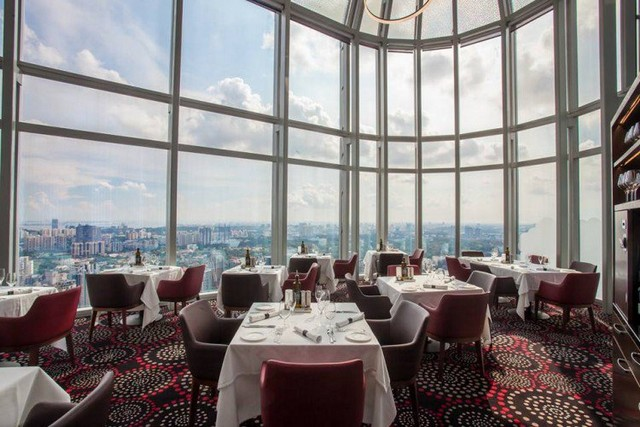Get Inspired By These Outstanding Rooftop Restaurants In Singapore rooftop restaurants Get Inspired By These Outstanding Rooftop Restaurants In Singapore Salt Grill Sky Bar 1 750x500