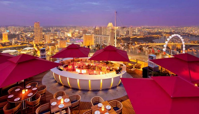 Get Inspired By These Outstanding Rooftop Restaurants In Singapore rooftop restaurants Get Inspired By These Outstanding Rooftop Restaurants In Singapore ce la vi skybar 1000x577