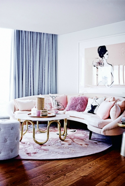 The Prettiest Living Room Ideas With A Pink Sofa