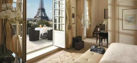 Where To Stay In Paris: 5 Incredibly Luxurious Hotels