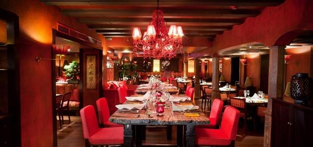 8 Stunning Ideas for Classic Modern Restaurants Interior Design  8 Stunning Ideas for Classic Modern Restaurants Interior Design Wohnenmitklassikern 100 Klassische Moderne Architektur und Einrichtungideen 11